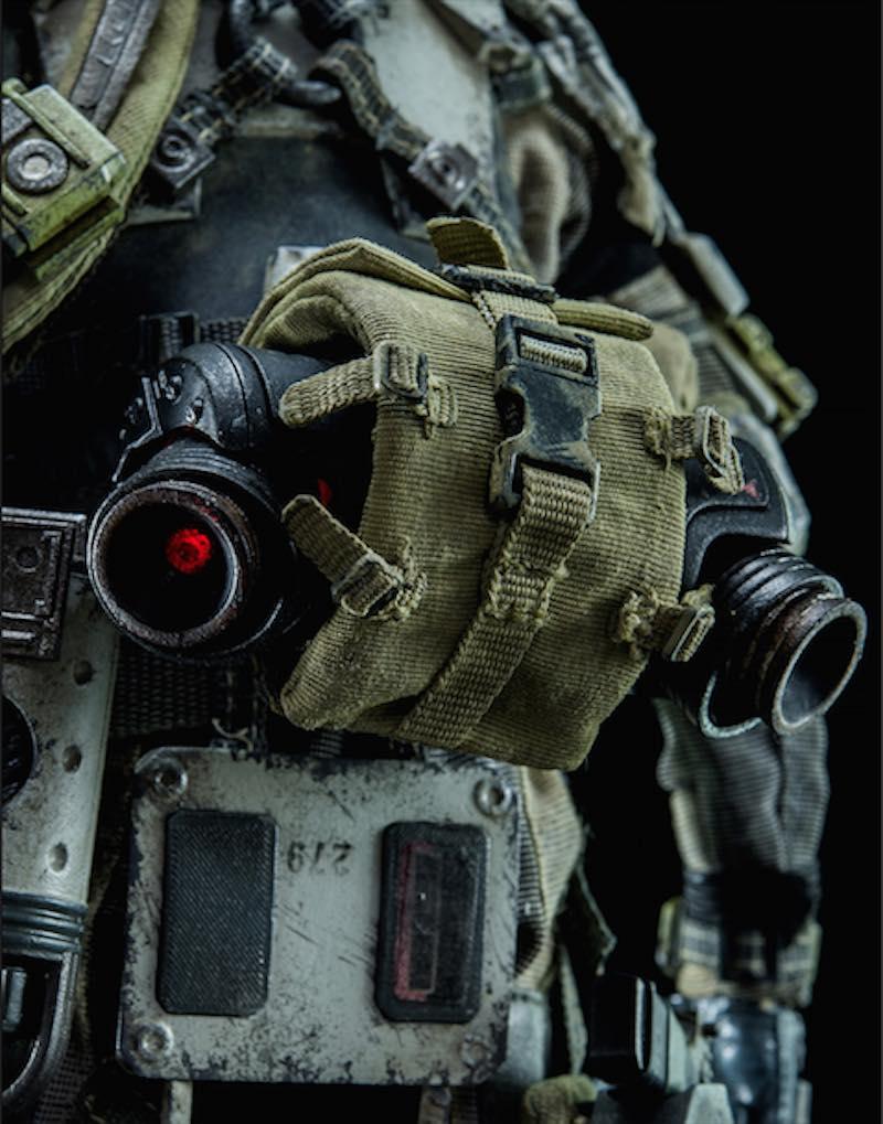 ThreeZero Titanfall IMC Battle Rifle Pilot fanny pack