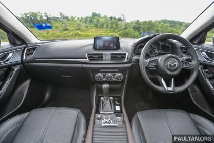 Mazda3_FL_Int-2