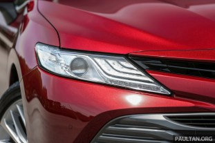 Toyota_Camry_Ext-16