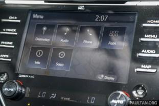 Toyota_Camry_Int-17