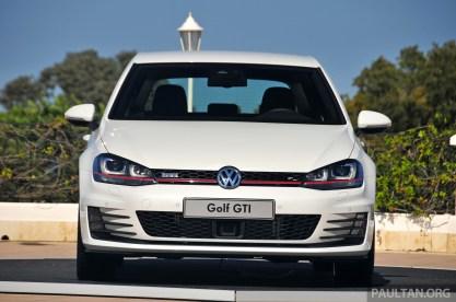 Volkswagen_Golf_GTI_Mk7_Driven_021