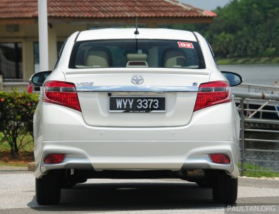 2013_Toyota_Vios_review_ 006