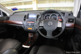 2012-2013_Nissan_Sylphy_026