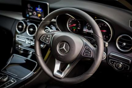 W205_Mercedes-Benz_C_200_Avantgarde_Malaysia_008