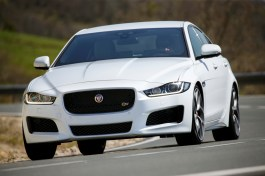 jaguar-xe-official 1668