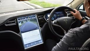 Tesla Model S 85 drive-35