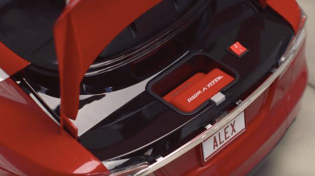 Tesla Model S for kids by Radio Flyer-01