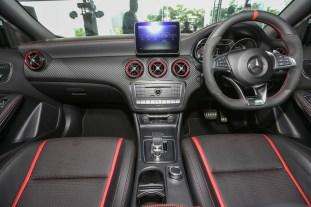 Mercedes_A45-24