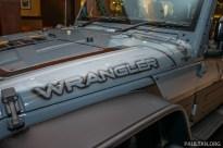 Jeep-Wrangler-Unlimited-Sahara-Batwrangler-12