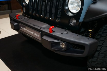 Jeep-Wrangler-Unlimited-Sahara-Batwrangler-9