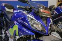 Yamaha_R15-2