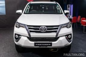 2016-Toyota-Fortuner-3_BM