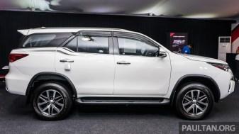 2016-Toyota-Fortuner-4