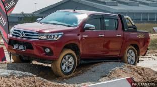 2016-Toyota-Hilux-49