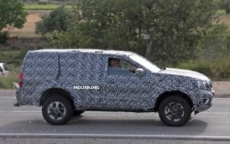 Nissan-Navara-SUV-spyshots-04