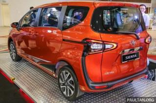Toyota_Sienta-14