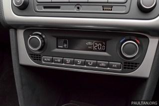 2016-Volkswagen-Vento-1.2-TSI-Highline-int-13_BM