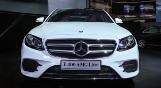 Mercedes-Benz E 300 AMG Line (1)