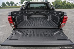 Toyota_Hilux_Ext-40
