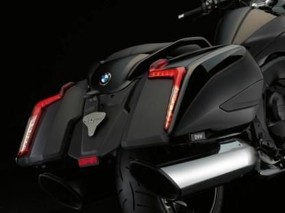 2017-bmw-motorrad-k1600-b-7