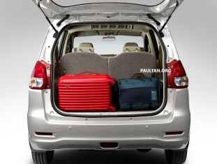 rear-view-white_protonertiga_bm