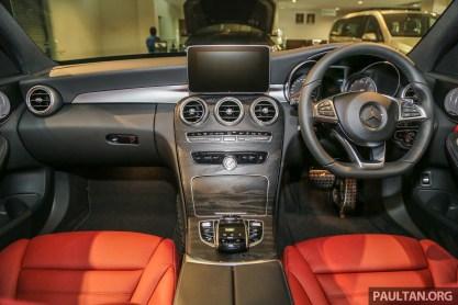 MercedesBenz_C350e_Int-1