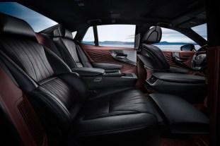2018 Lexus LS 500h 12