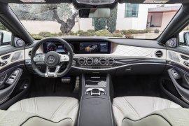 Mercedes-AMG S 63 4MATIC+, Interieur: Leder Nappa exclusive Porcellan Schwarz ;Kraftstoffverbrauch kombiniert: 8,9 l/100 km, CO2-Emissionen kombiniert: 203 g/km Mercedes-AMG S 63 4MATIC+, interior: leather nappa exclusive porcelain black; Fuel consumption combined: 8,9 l/100 km; Combined CO2 emissions: 203 g/km