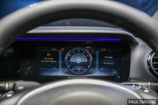 Mercedes-Benz_E250_Avantgarde_CKD_Int-5