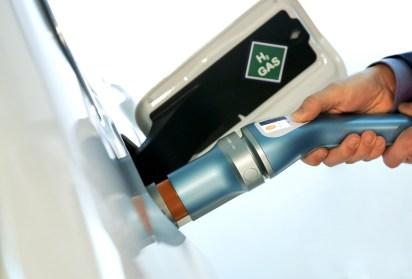Shell hydrogen dispenser BMW Designworks 3