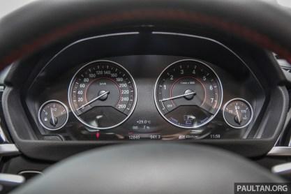 BMW_330e_Int-4 BM