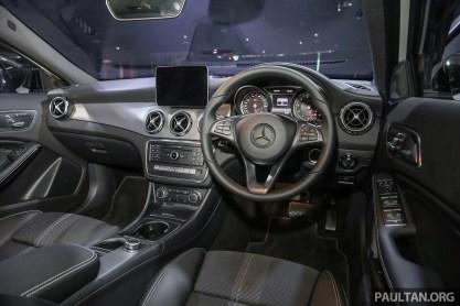 MercedesBenz_GLA200_Int-2