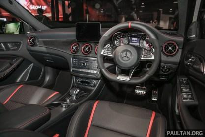 MercedesBenz_GLA45_Int-2
