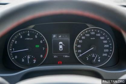 Hyundai Elantra 2.0_Int-4._BM