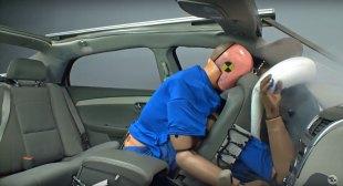 Rear-seat-unbuckled-4
