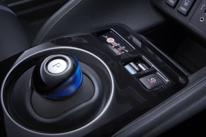 2018 Nissan Leaf-31