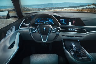 BMW Concept X7 iPerformance interior 4