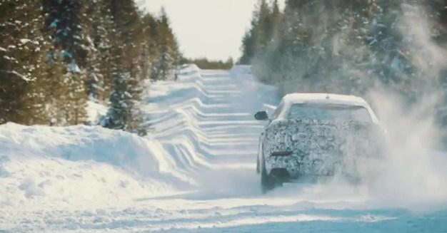 Lamborghini Urus preview Neve 2