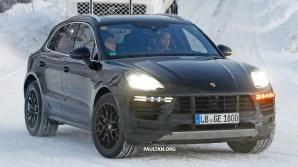 2018 Porsche Macan Facelift Spyshots-1
