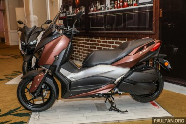 YAMAHA XMAX Preview-6