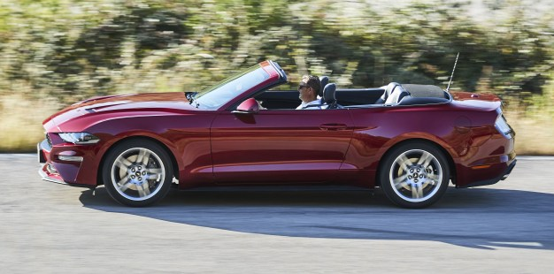 2018 Ford Mustang Convertible 3
