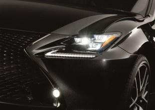 Lexus RC 300h F Sport Black Edition 2