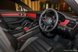 Porsche Panamera 4 E-Hybrid Sport Turismo_Int-2