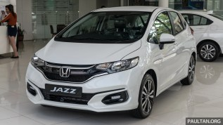 2018 Honda Jazz 1.5 V in Orchid Pearl White