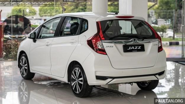 2018 Honda Jazz 1.5 V in Orchid Pearl White