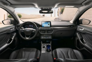 2019 Ford Focus Mk4 hatch Vignale-14