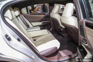 Lexus_ES_Int-9