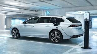 Peugeot 508 508 Sw Hybrid And 3008 Gt Hybrid4 Debuts 1 6l Phev