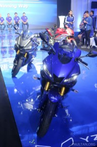 2019 Yamaha YZF-R25-37