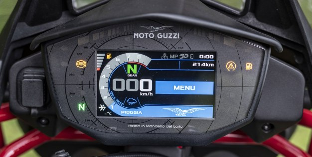 Moto Guzzi V85 TT Intermot 2018 BM-14